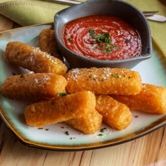 Fingerfood-Mozzarella-Stick-cooked